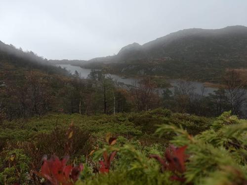 Utsikt fra stien mellom Grånuten og Fuglen.