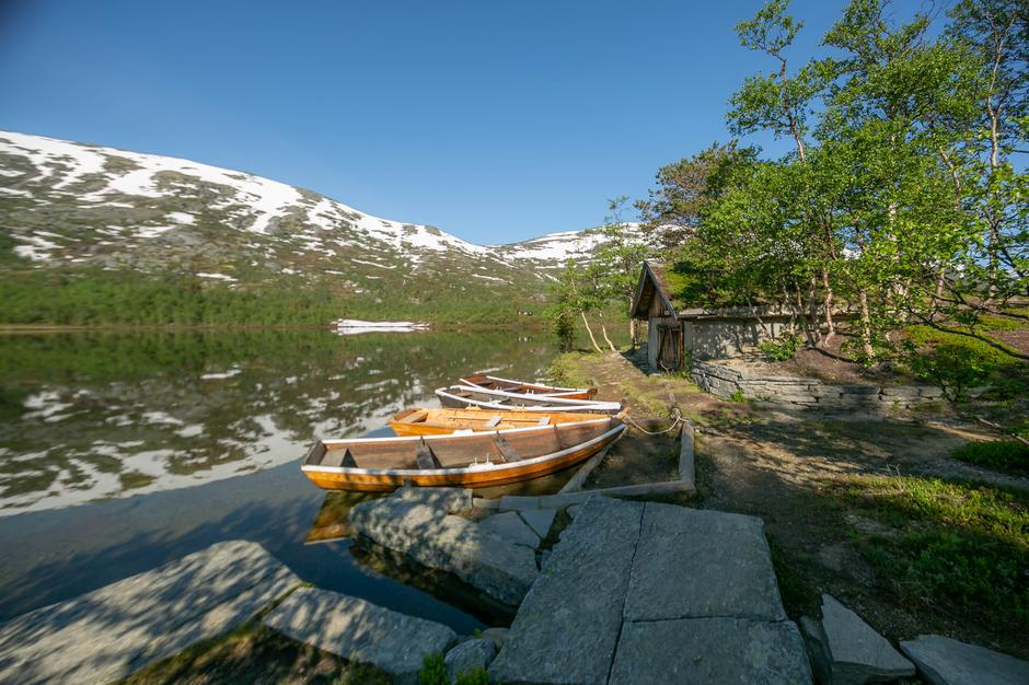 Båter ved Storvatnet.