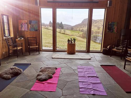 Yoga på Friluftslåven