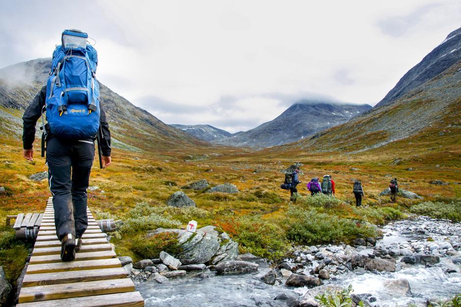 I Tafjordfjella finner du variert natur med bratte vestlandsfjell i vest og slakere fjell i øst øg vidder i sørøst