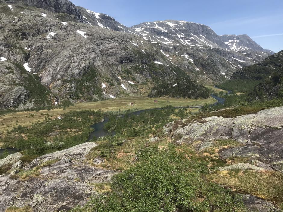 Utsiktspunkt ned mot Kvanndalen på den nye stien som knytter seg sammen med eksisterende løypenett.