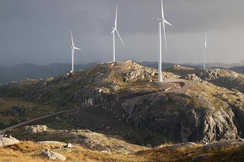 Vindturbinene er opp mot 250 meter høye.