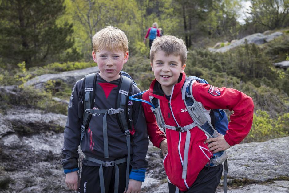 Nikolai og Jørgen på vei mot Løvstakken.