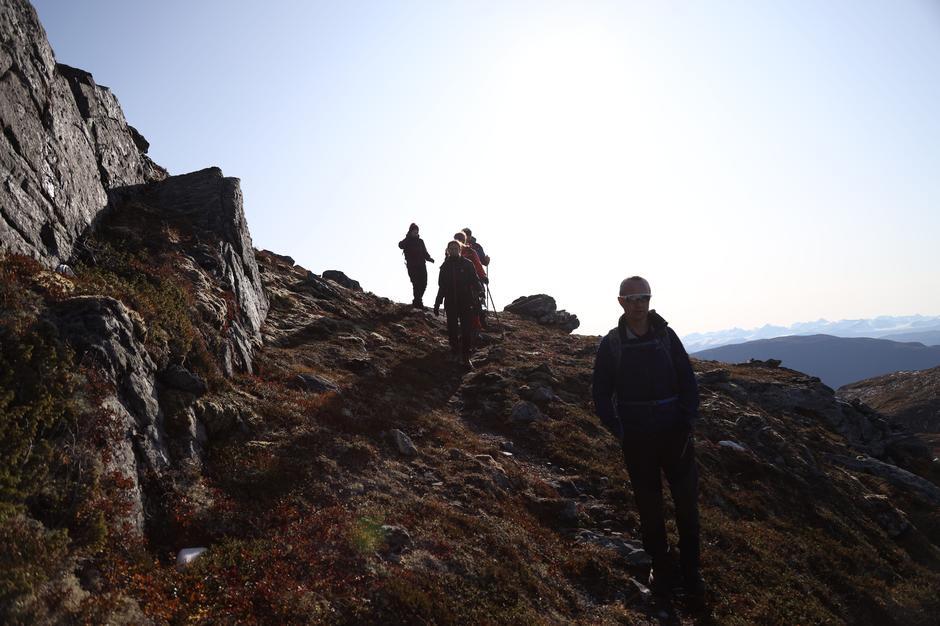 På vei ned mellom Tussan og neste fjell.