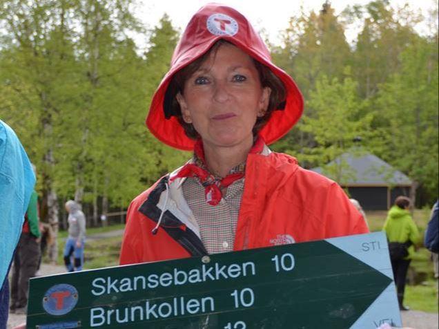 Ordfører Lisbeth Hammer Krog velger skilt med Brunkollen på. Kanskje det er hennes favoritt turmål? På søndag kan du slå følge med henne mot Brunkollen.