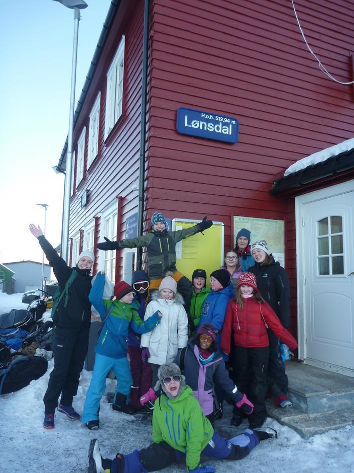 Den fine gjengen samlet på togstasjonen før avgang til Bodø igjen!