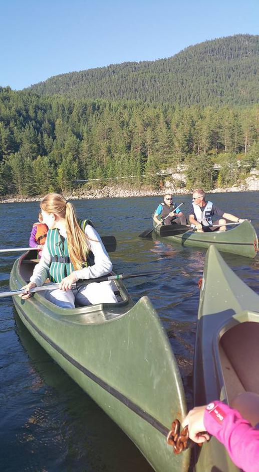 17.08.2016 - 22 stk var med på ein flott kveld på Hornindalsvatnet m/grilling etterpå 👌🤗 takk for turen!!