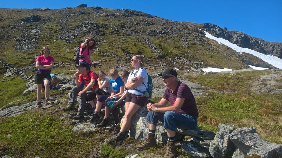 Turgjengen på steingarden på kommunegrensa mellom Høyanger og Hyllestad