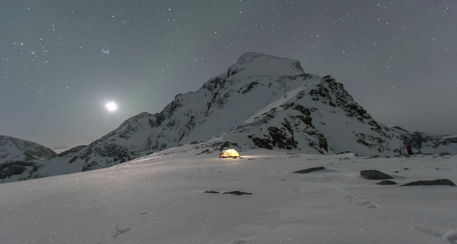 Telttur på vestlofotens høyeste fjell hermannsdalstinden 1029 m.o.h.