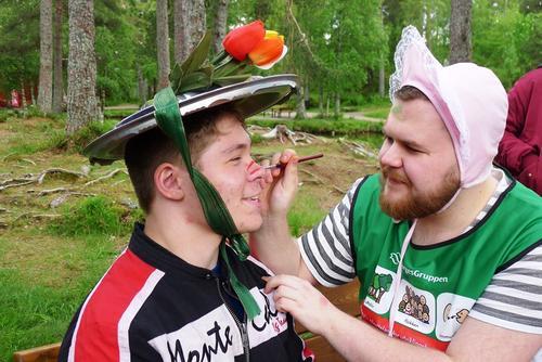 Sommerfest med hatt, FTU