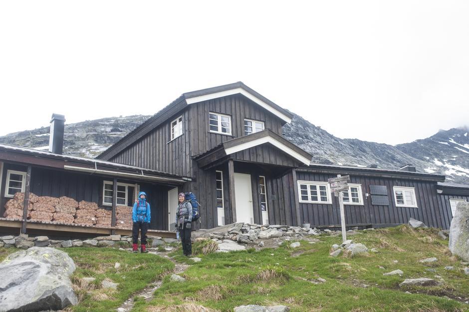 Olavsbu i Jotunheimen har hyttevakt om sommeren.