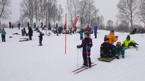 Snø og vind stoppet ikke 300 fra å delta på Kom deg ut-dagen