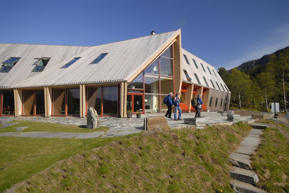 Preikestolen fjellstue er universelt utformet og godt tilrettelagt for rullestolbrukere.
