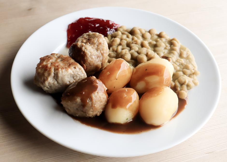 Edland Kjøtt og Kolonial lager 5 tonn med kjøttkaker til Haukeliseter i året