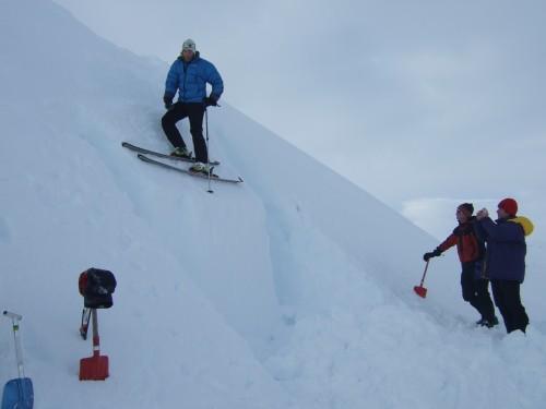 Bli med DNT fjellsport Troms på skredkurs.