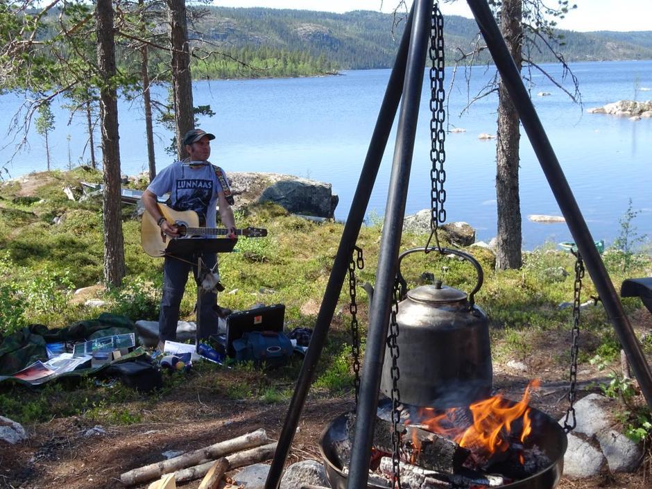 Sjølveste Skaurocker'n Dagfinn Kolberg i Vassfaret og Fønhuskoia.