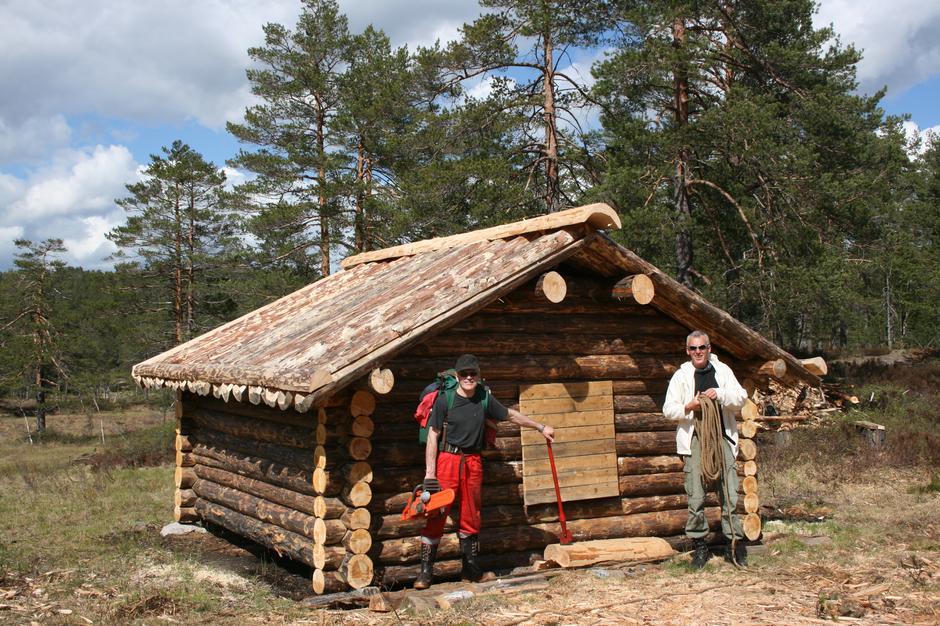 Åsmyrbua 2009. Jostein Vestøl og Torgeir Haukenes.