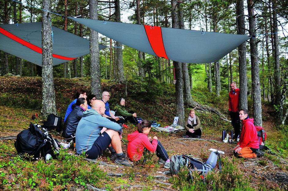 MER KUNNSKAP: Deltakerne på ferskingkurs lytter interessert til kursleder Halvor Hagen der trygghet står i fokus.