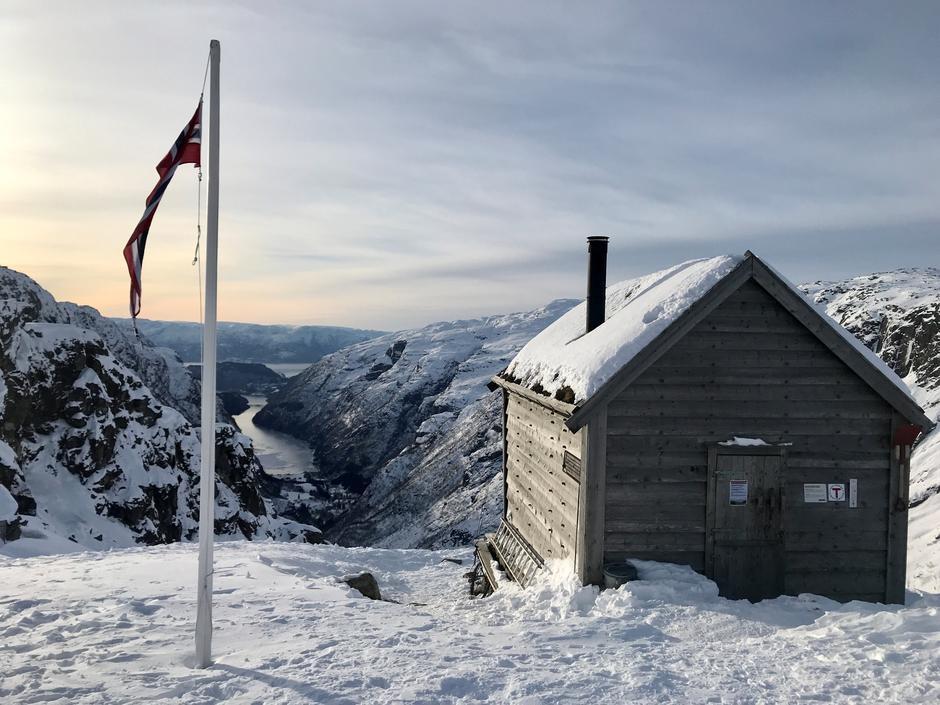 Lørdag 13.2: Kiellandbu i Bergsdalen. NB! Husk å gå over Sveindalsnuten når det er vinter.