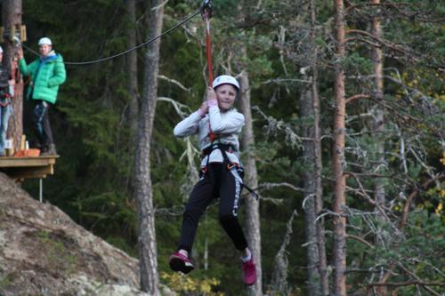 Bli med i Stiggarti klatrepark med Barnas Turlag