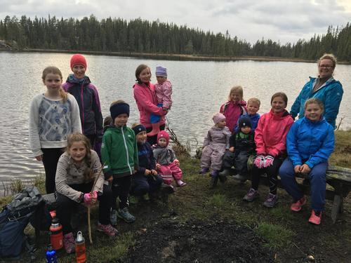 30. mai hadde Barnas Turlag kveldsmattur til Køltjern