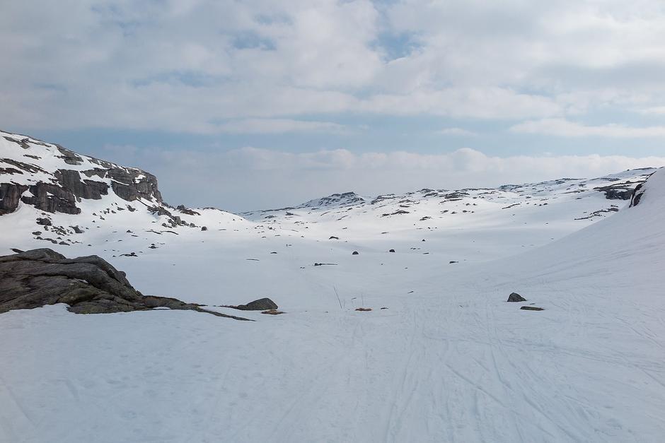 Snøforholdene ved toppen ved Blautevatn retning Hunnedalen. 7. april