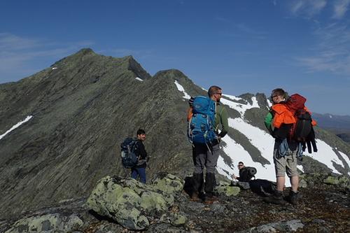 Vurdering på vei over Syltraversen. TTF sommerturlederkurs 2017.