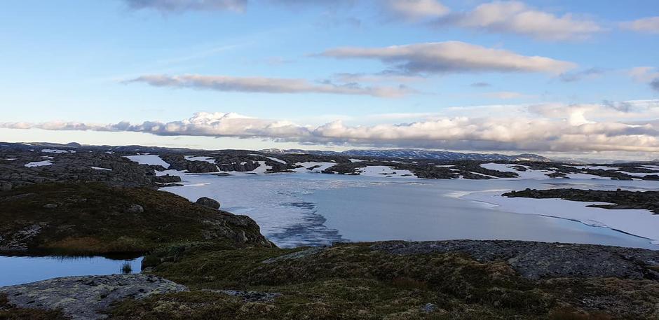 Fremdeles is på Eidavatn.