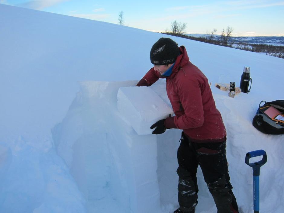 Snøprofil: Even Berntsen fekk ei blokk av fokksnø til å løsne ganske lett.