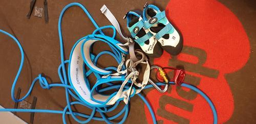 Takk til Hamna Klatreklubb for lån av utstyr!