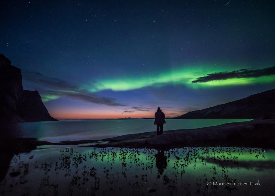 Bildet ble tatt først i september i Steigen. Det er ennå vakre solnedganger når nordlyset igjen danser over himmelen. Berde turer enn dette har man ikke...