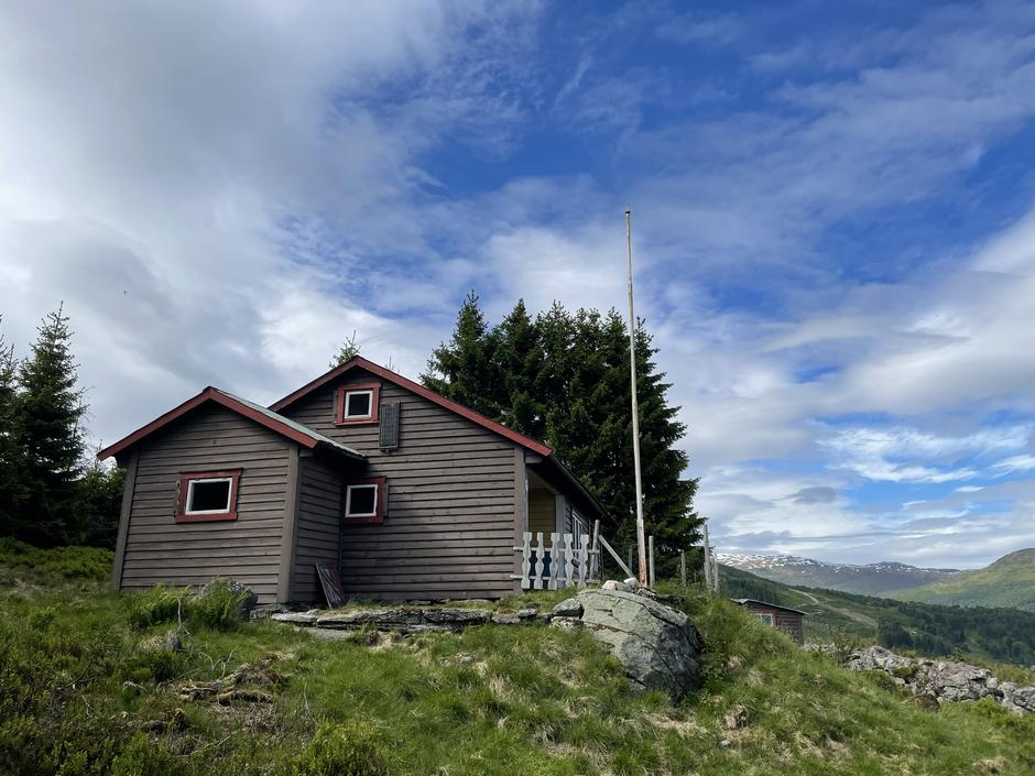 Kollsetestølen, Sogndal Turlag sin nye DNT-hytte