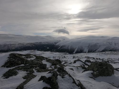 Utsikt fra Skamsarkampen mot Lundadalen, Skjåk.
