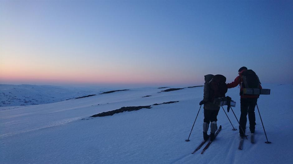 Til Selhamar via Hundeggi i solnedgang