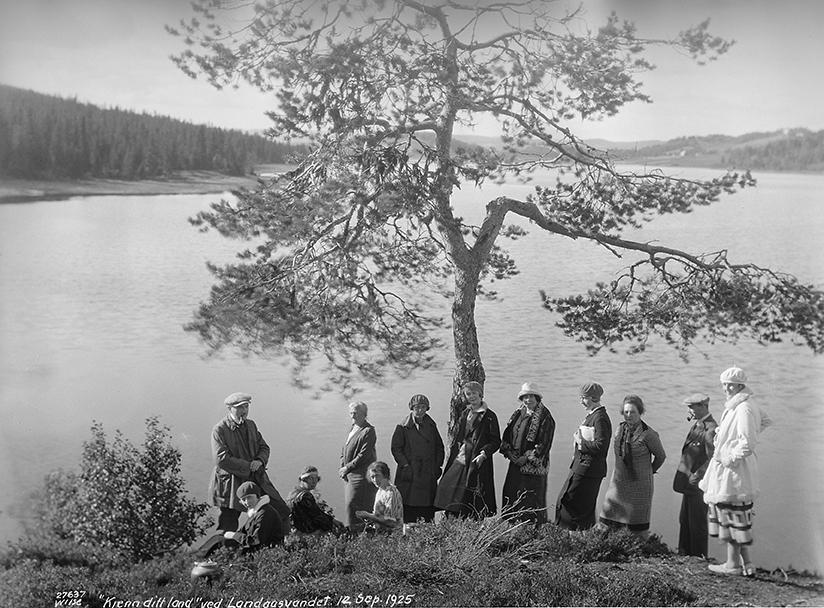 KJENN DITT LAND: I Bergen konkurrerte de to foreningene Kjenn Ditt Land og Bergens Turistforening om medlemmer, men droppet konkurransen og slo seg i 1947 sammen til en forening: Bergen Turlag.