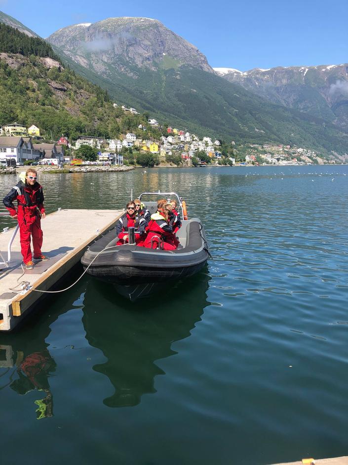 RIB- båttur på Hardangerfjorden.