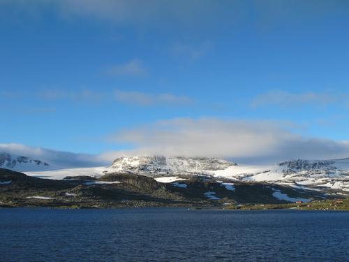 Utsikt frå FInse mot Hardangerjøkulen