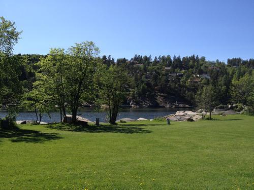 Kyststien er merket fra Nesset til Sjødalstrand!