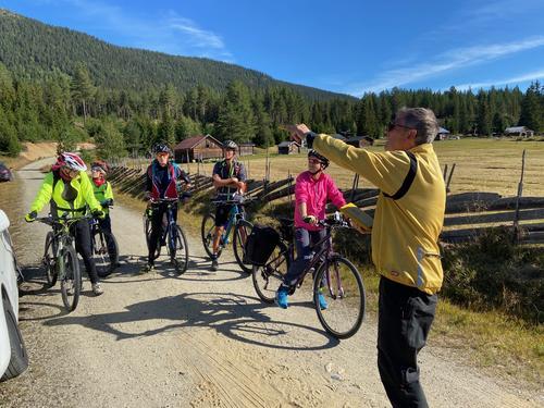 1. september hadde Seniorgruppa sykkeltur i sagnomsuste Vassfaret
