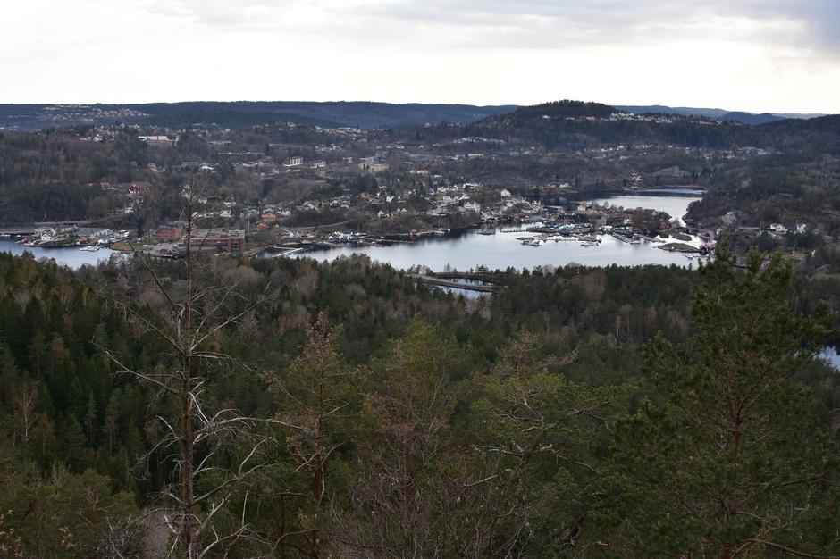 Utsikt fra Bjørnknuten mot Karlstadkilen