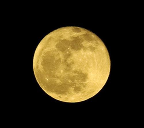 Vi håper månen viser seg på sitt beste