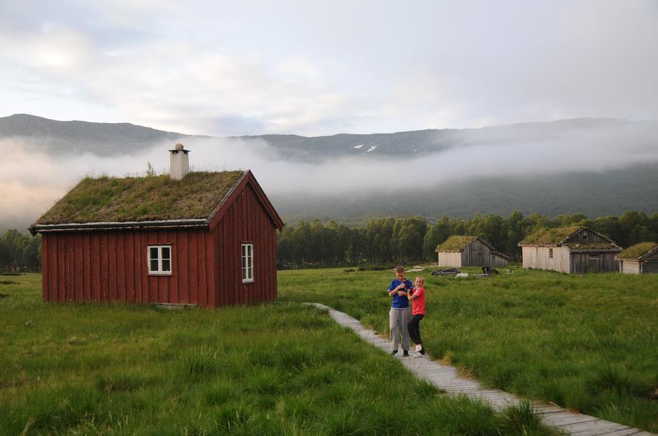 BLESKESTADMOEN: En av mange idyller langs stien mellom Jonstølen og Haukeliseter