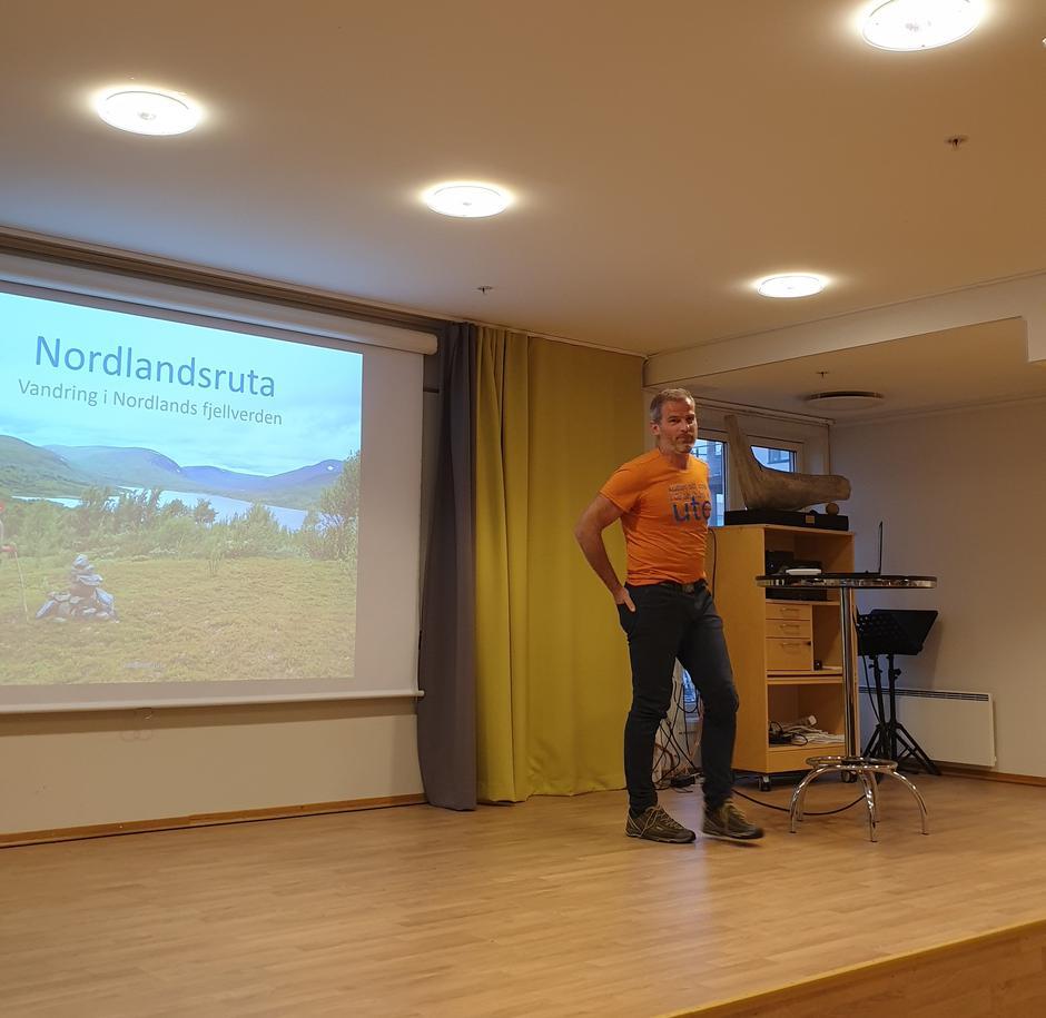 Bjørn Godal forteller om Nordlandsruta