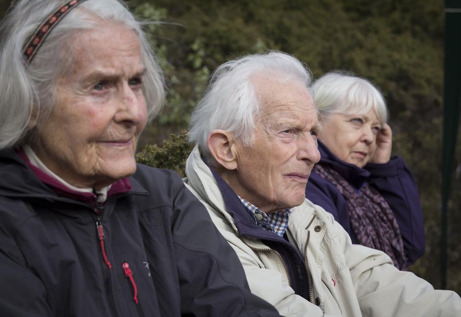 Æresmedlem i Bergen og Hordaland Turlag, Jørgen Faye, kom for å se på åpningen.