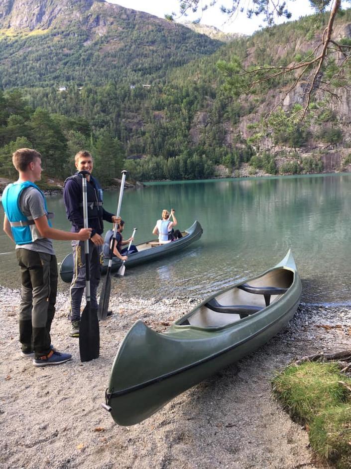 15.08.2019 - UNG - Kanopadling Oppstrynsvatnet
