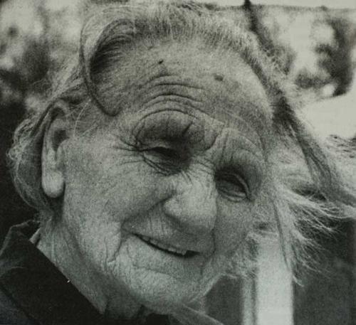 Gjendine Slaatlien, datter av det første bestyrerparet, ble født på Gjendebu.