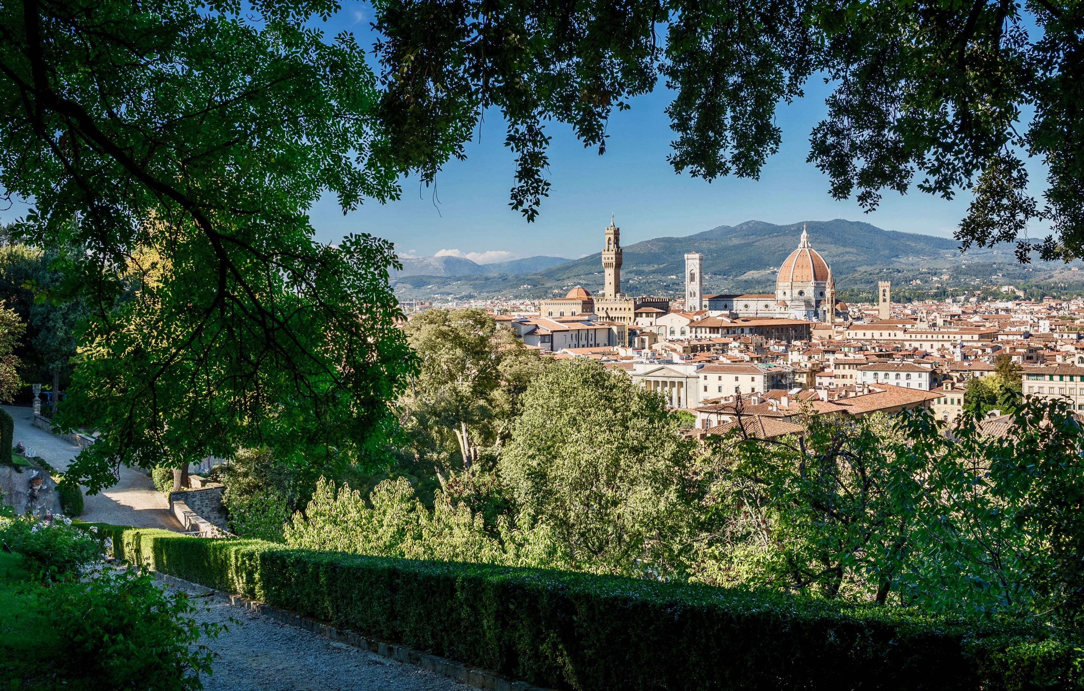 Spring in Tuscany, Discover the Gardens