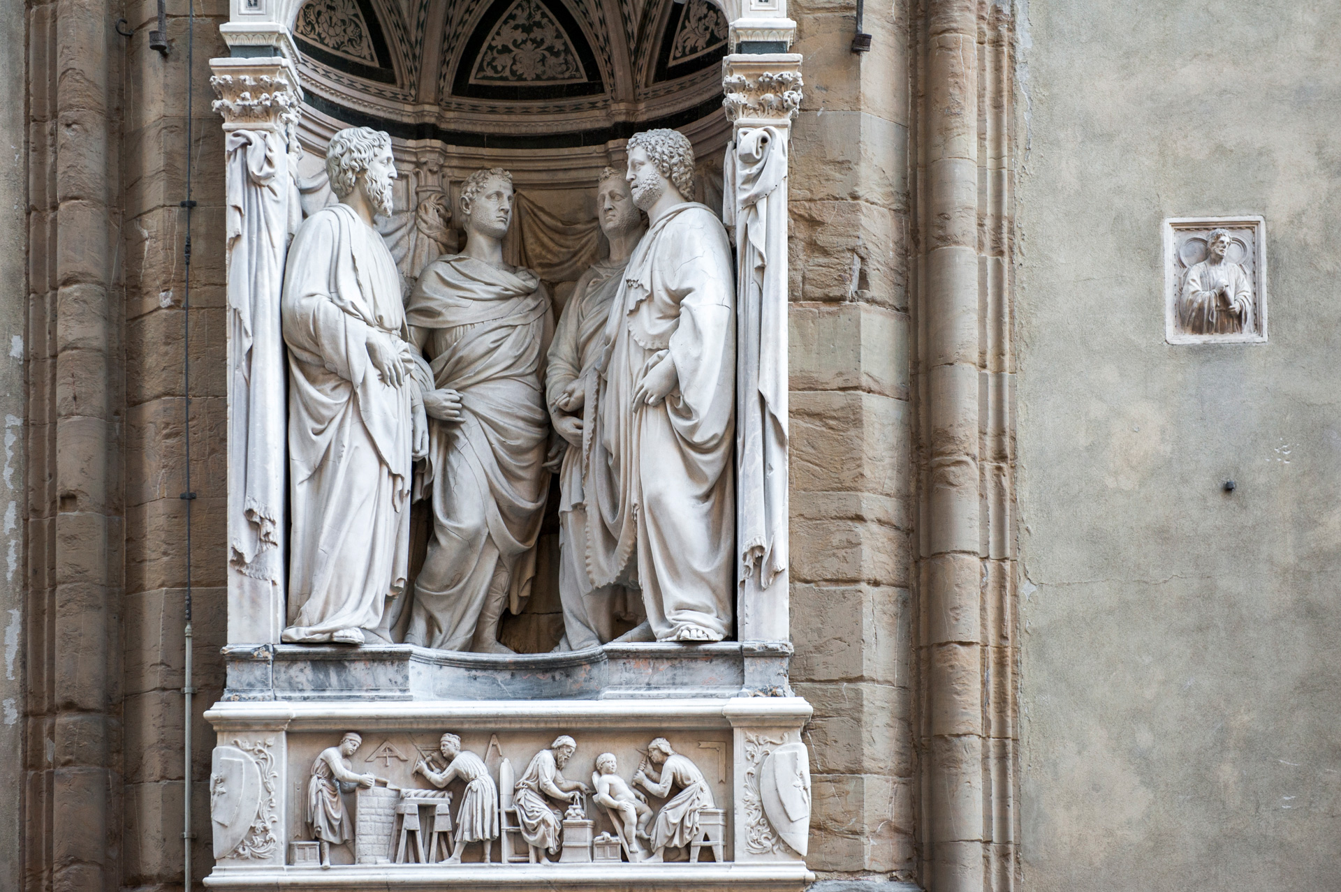 Statue if the facade of Orsanmichele church in florence