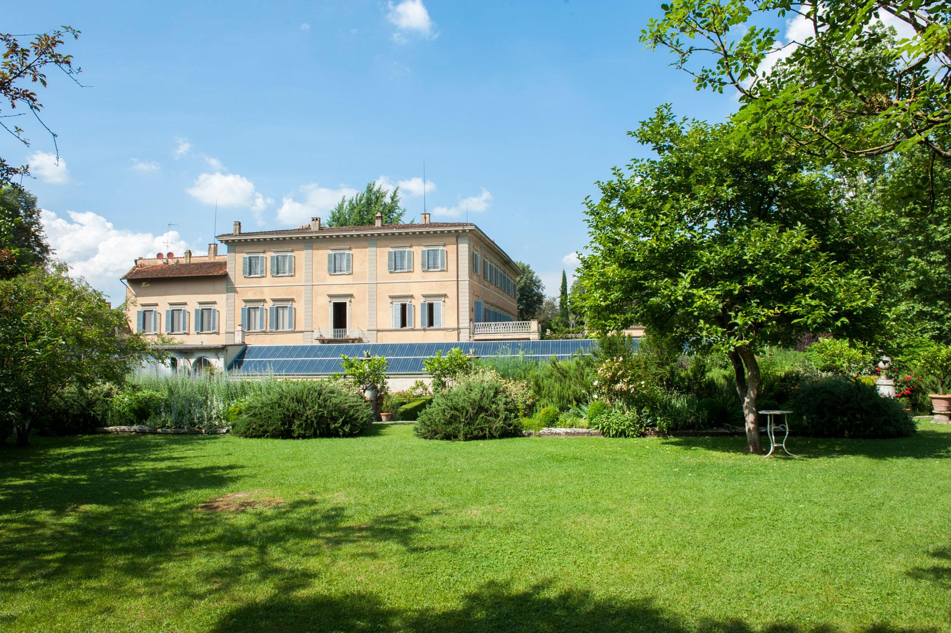 Boboli garden in florence Italy