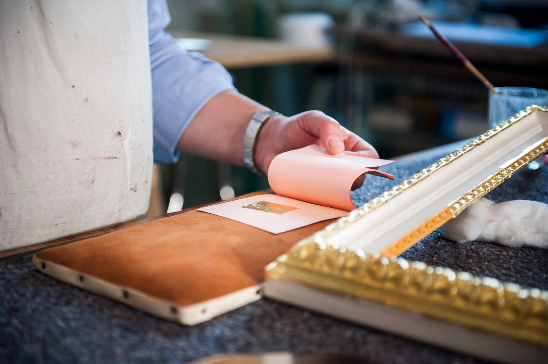 Gold art frame workshop in Florence